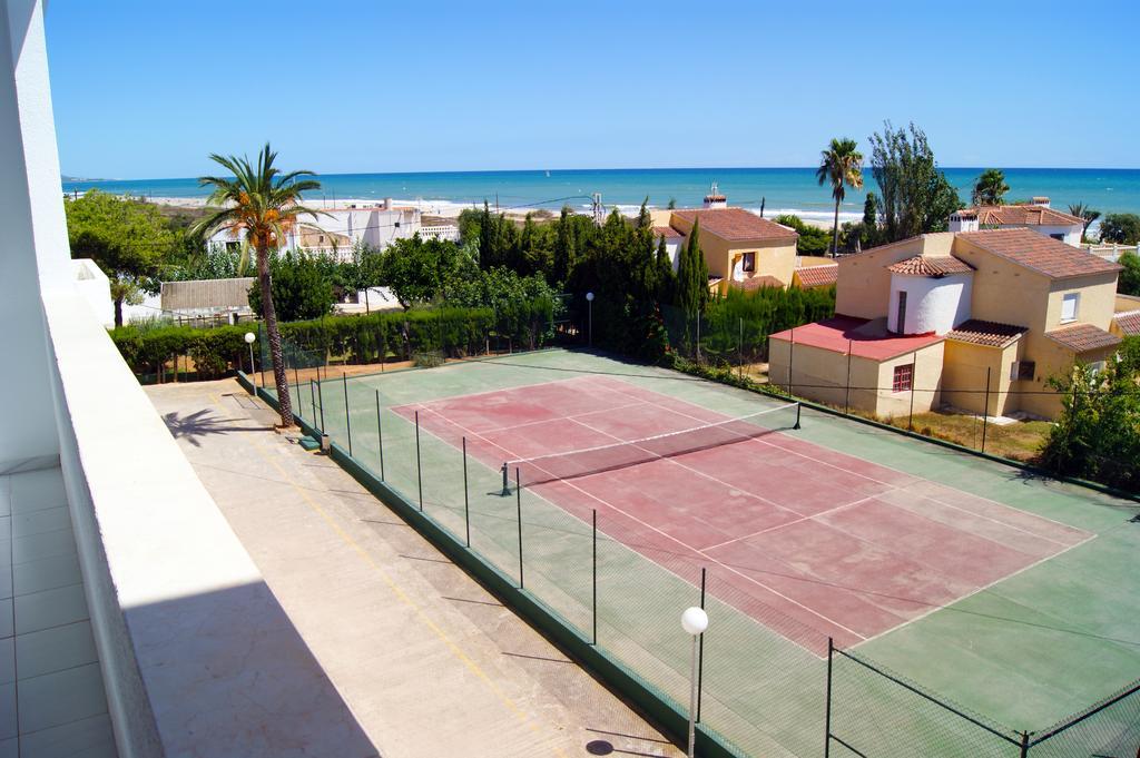 Apartamentos Cap y Corp, pistas de tenis
